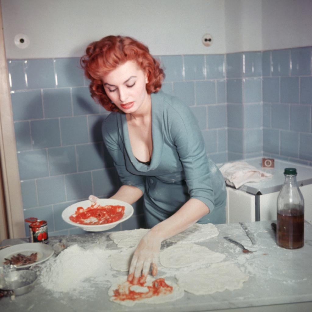 Sophia Loren\'s Pizza Alla Napoletana - Silver Screen Suppers