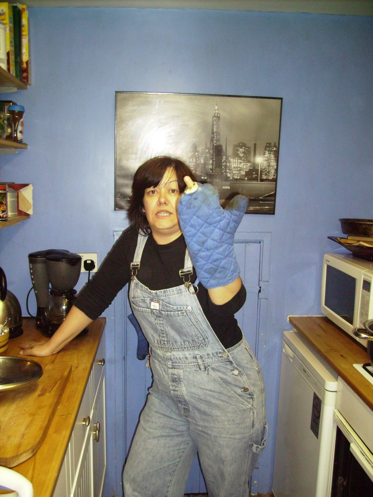 Sanja and the oven glove